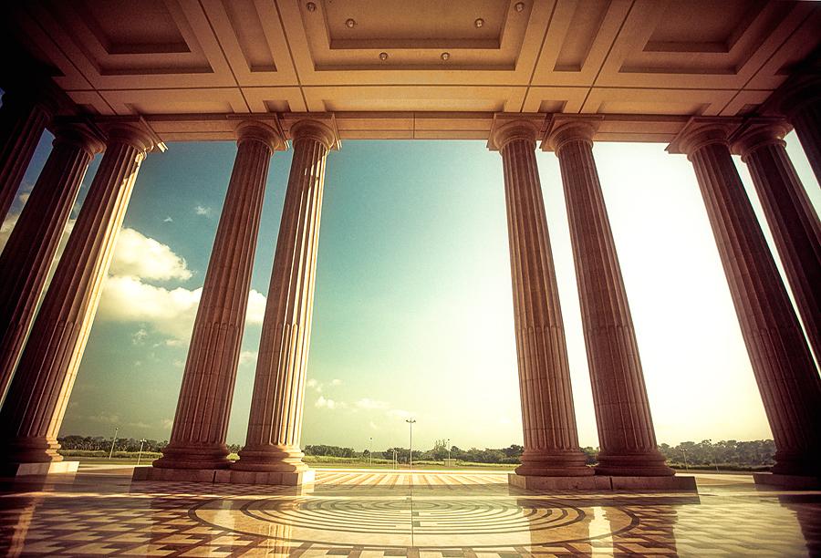 20070920001631_pillars